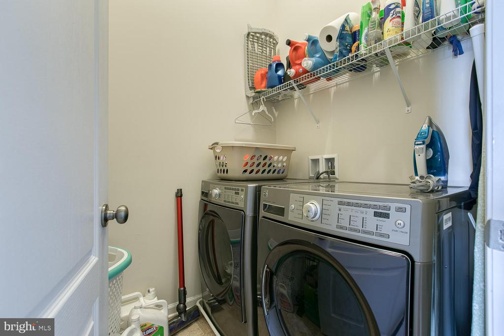 Laundry room - 4 LAMPLIGHTER LN, STAFFORD
