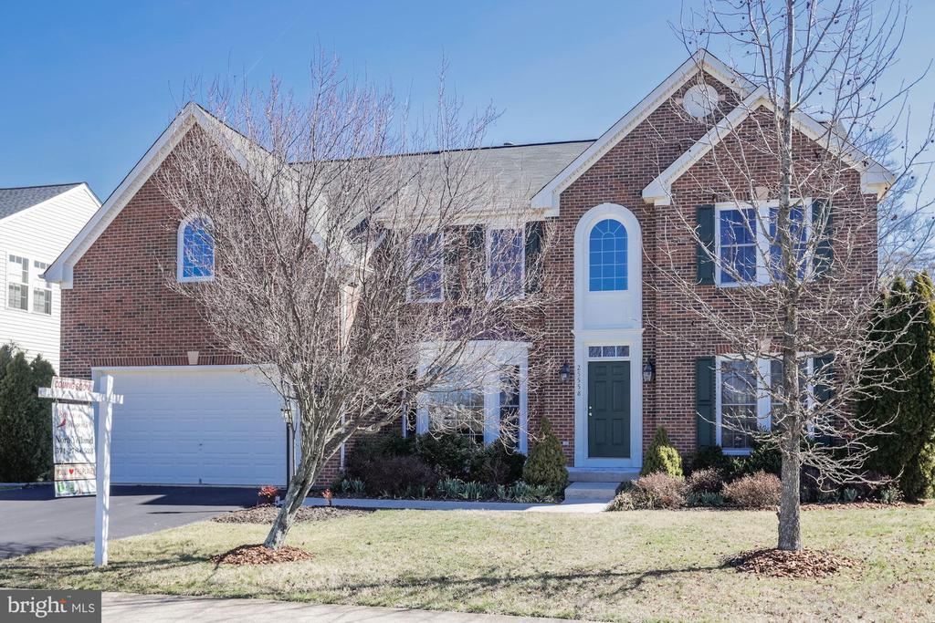 over 6K in square feet!! - 25558 MINDFUL CT, ALDIE