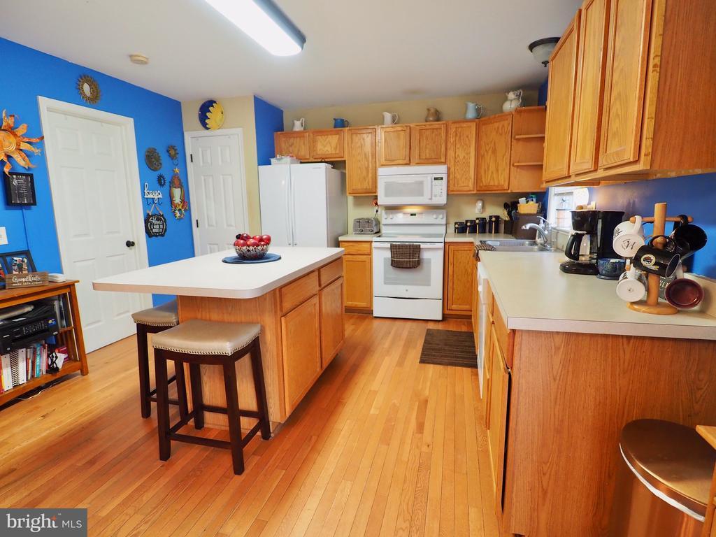 Kitchen - 70 DENT RD, STAFFORD