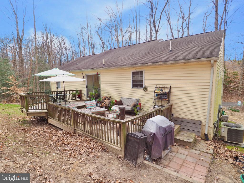 Deck to entertain or relax!! - 70 DENT RD, STAFFORD