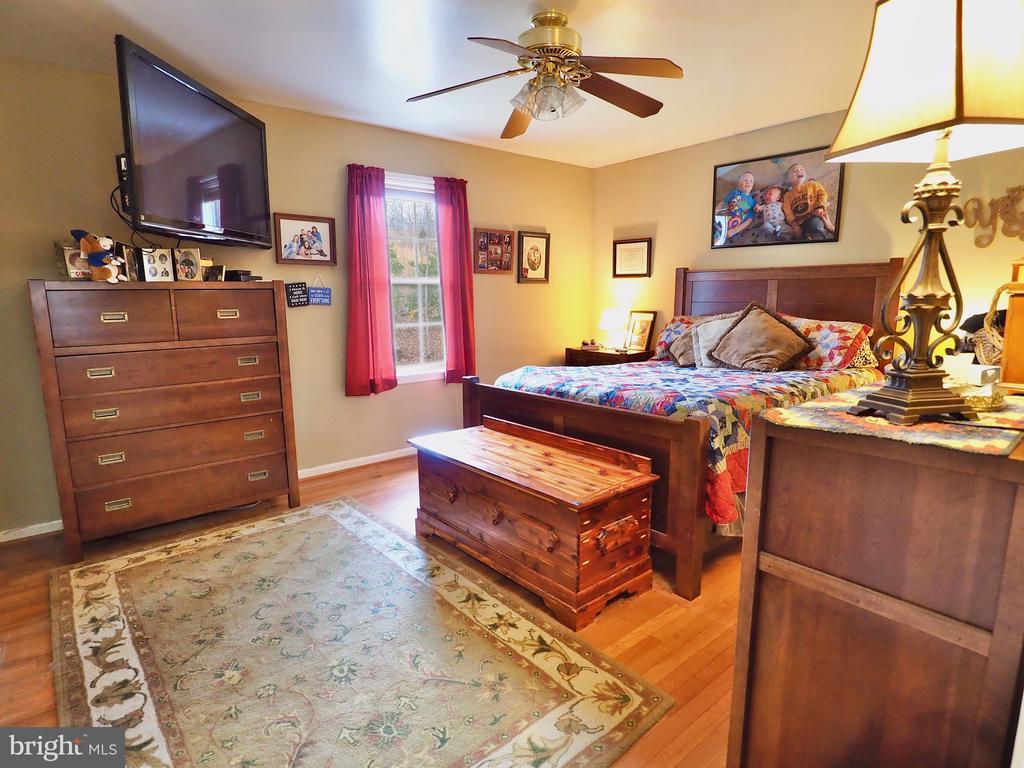 Master Bedroom !! - 70 DENT RD, STAFFORD