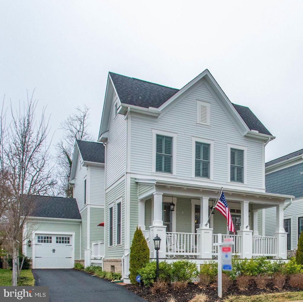 Welcome Home! - 113 VINEHAVEN WAY, HERNDON