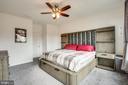 Large master bedroom - 48 SURVEYORS WAY, STAFFORD
