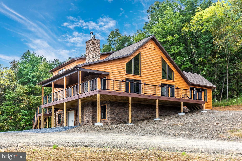 Single Family Homes のために 売買 アット Burnt Cabins, ペンシルベニア 17215 アメリカ