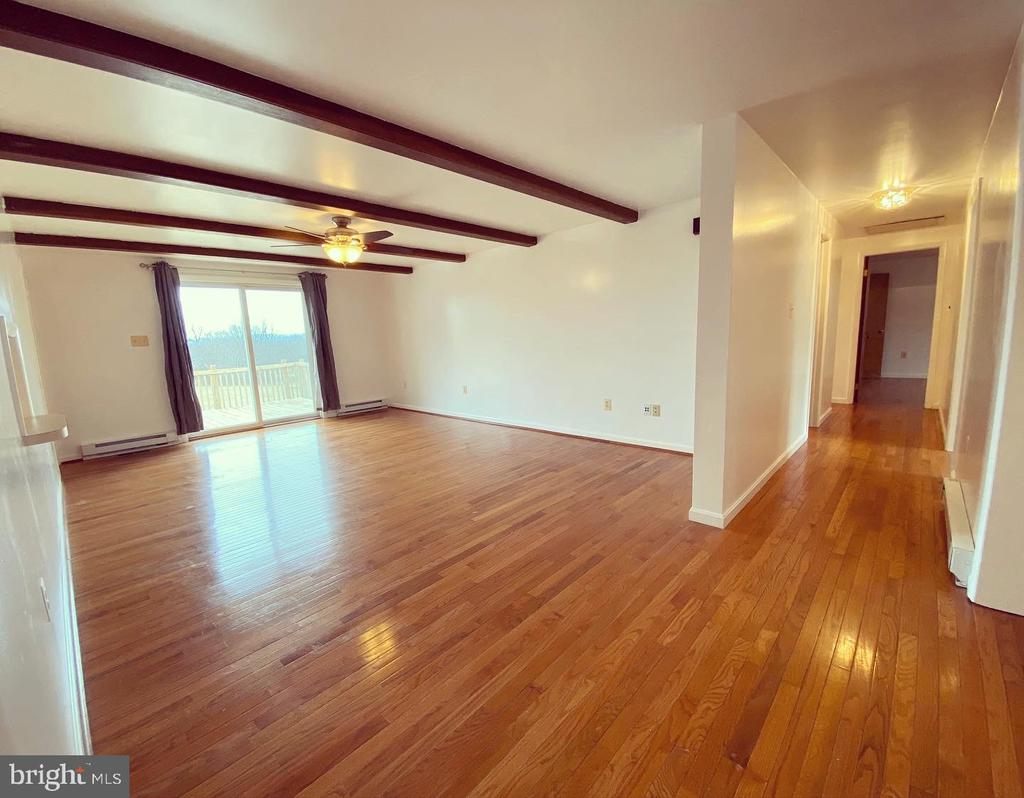 Family Room to Hallway - 424 PEMBROKE WAY, CHARLES TOWN