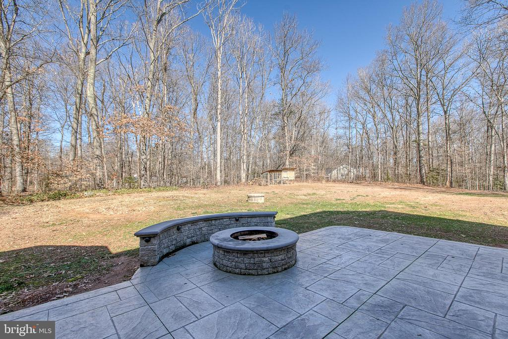 Natural beauty at its best! - 11 LINDSEY LN, STAFFORD