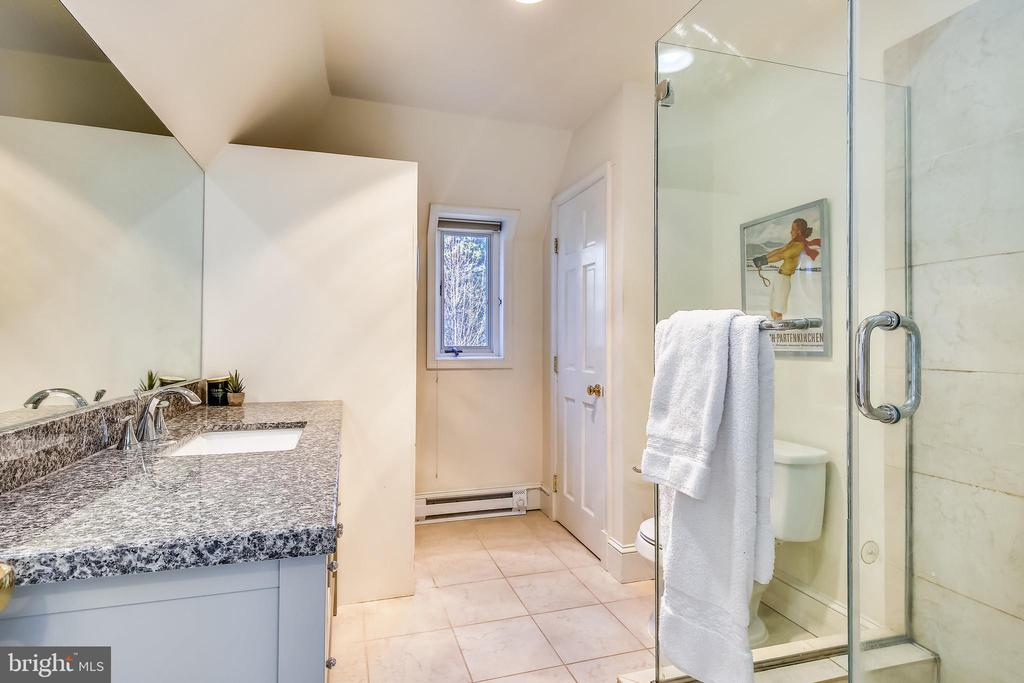 Remodeled hall bath on upper level - 2607 31ST ST NW, WASHINGTON
