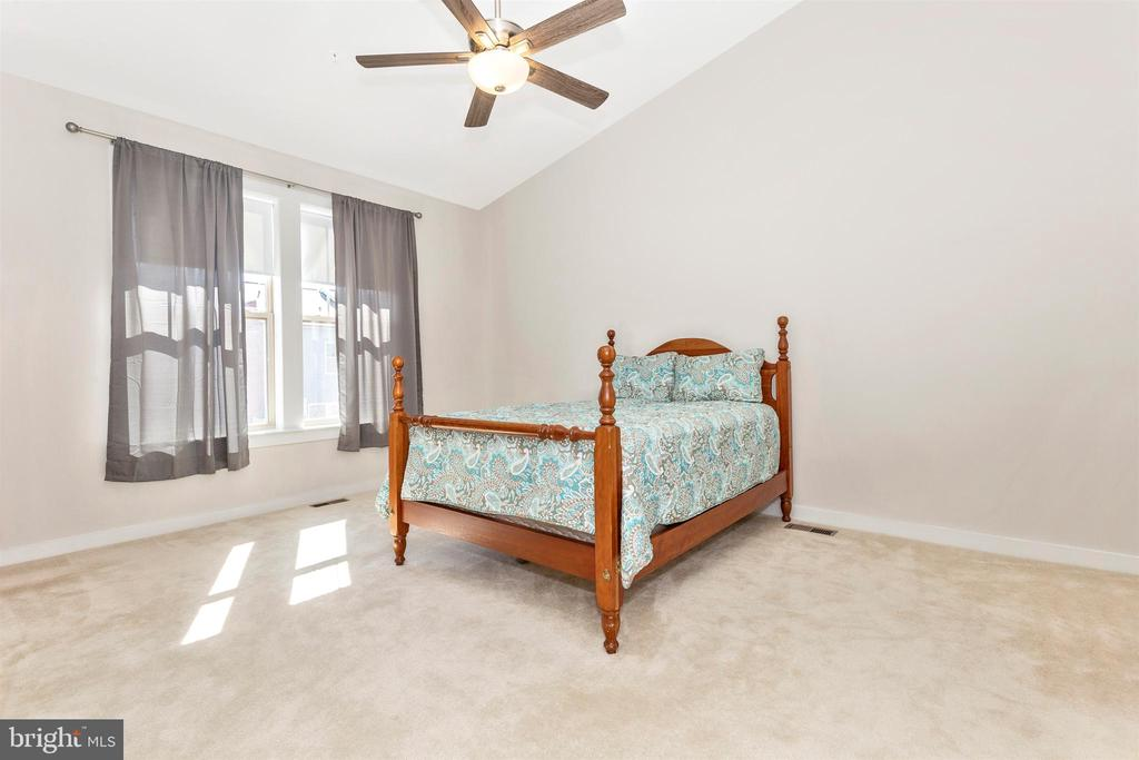 Upper Level 2-Master Bedroom - 823 BADGER AVE, FREDERICK