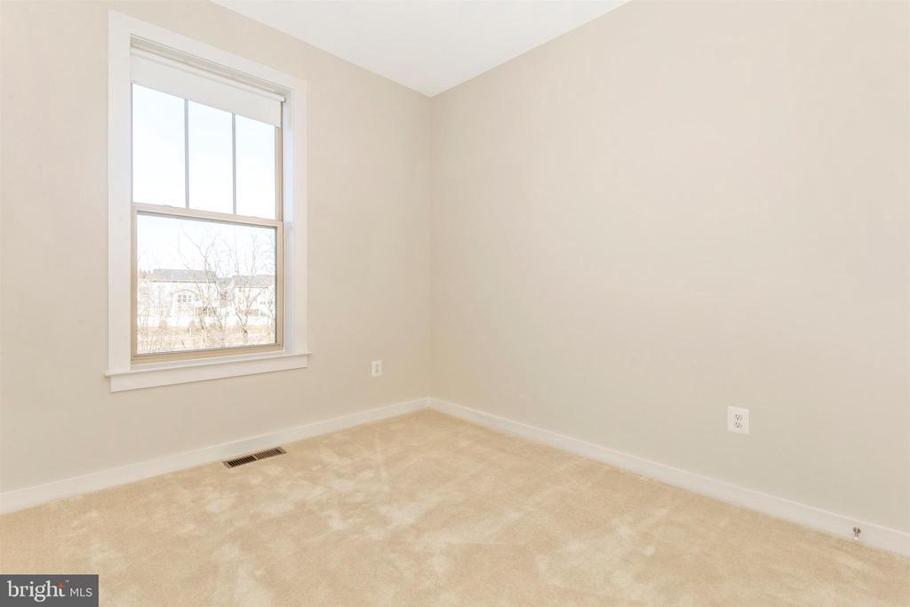 Upper Level 3-Bedroom - 823 BADGER AVE, FREDERICK