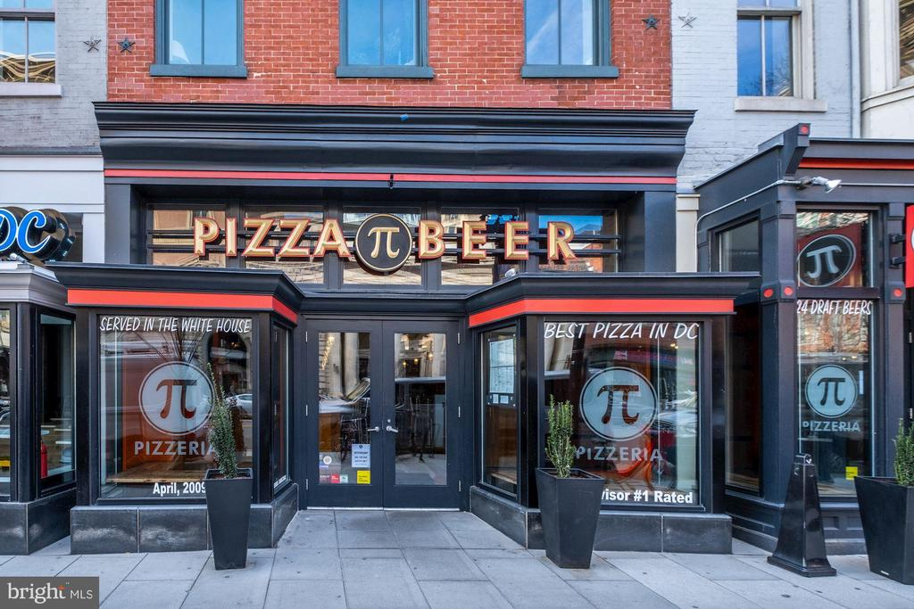Pi Pizza Next Door - 912 F ST NW #1106, WASHINGTON