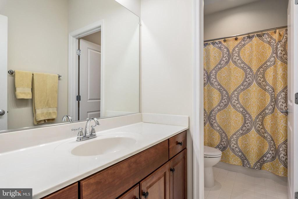 Bathroom - 44267 MIMOSA GROVE SQ, LEESBURG