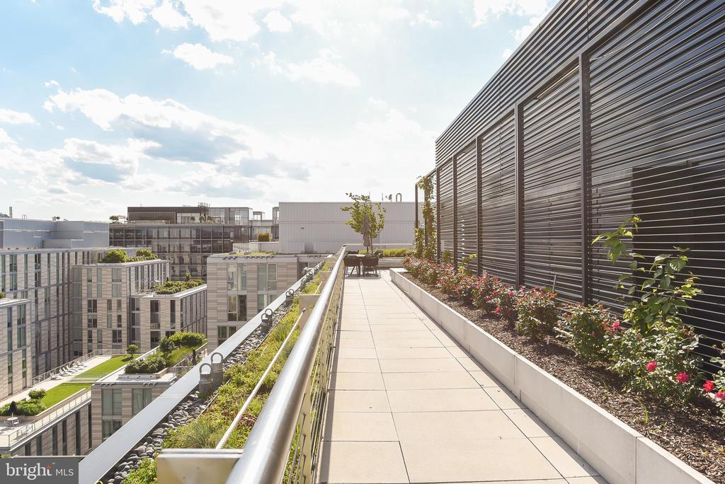 Green rooftop - 925 H ST NW #707, WASHINGTON