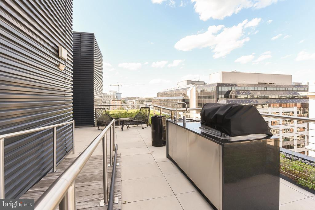 Gas grills on rooftop - 925 H ST NW #707, WASHINGTON