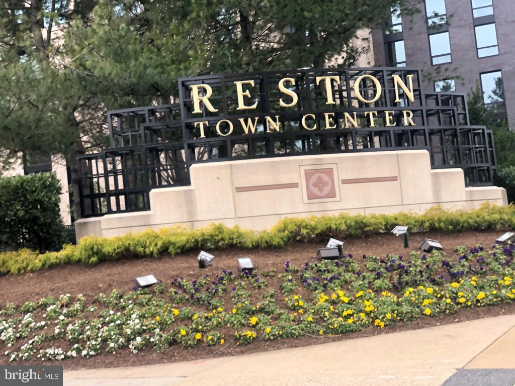 - 11614 VANTAGE HILL RD #21C, RESTON