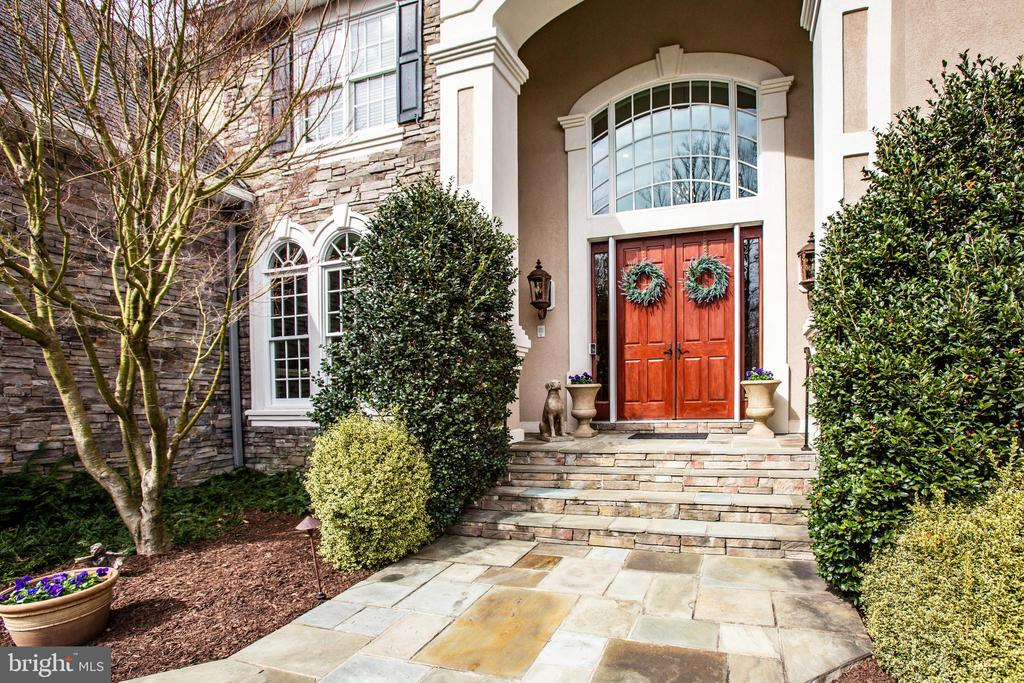 Welcome to this graciously appointed home - 10408 LAUREL RIDGE WAY, FREDERICKSBURG