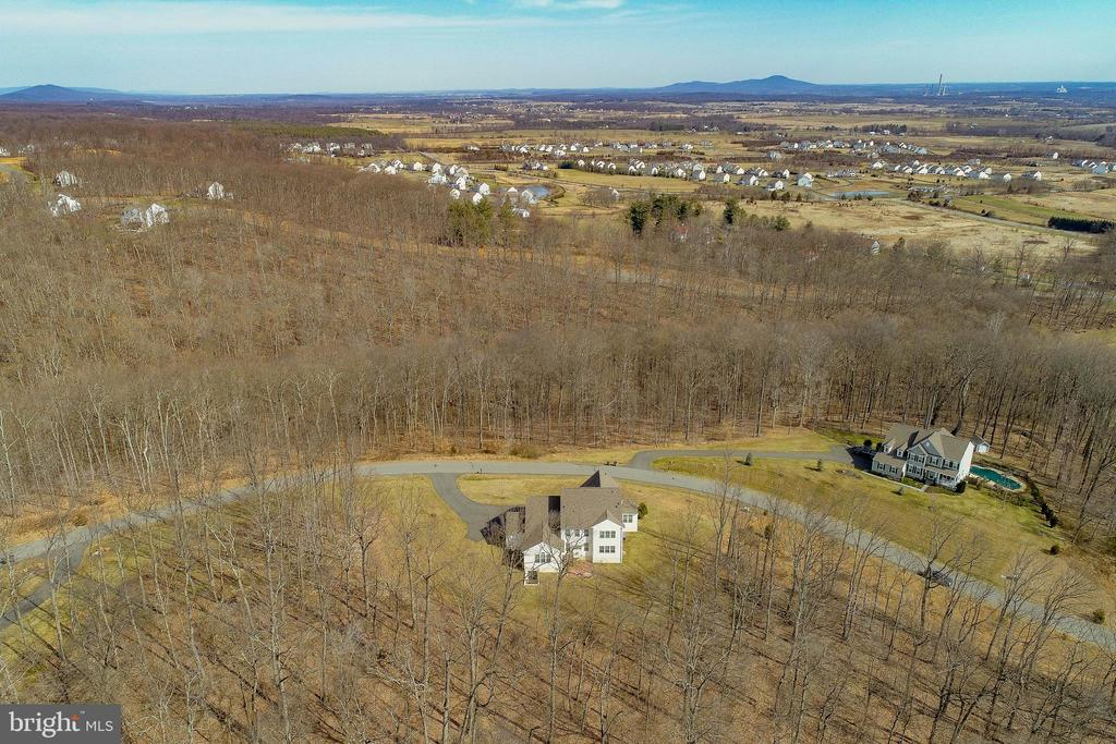 Beautiful Mountain & Rural Views - 15879 FROST LEAF LN, LEESBURG