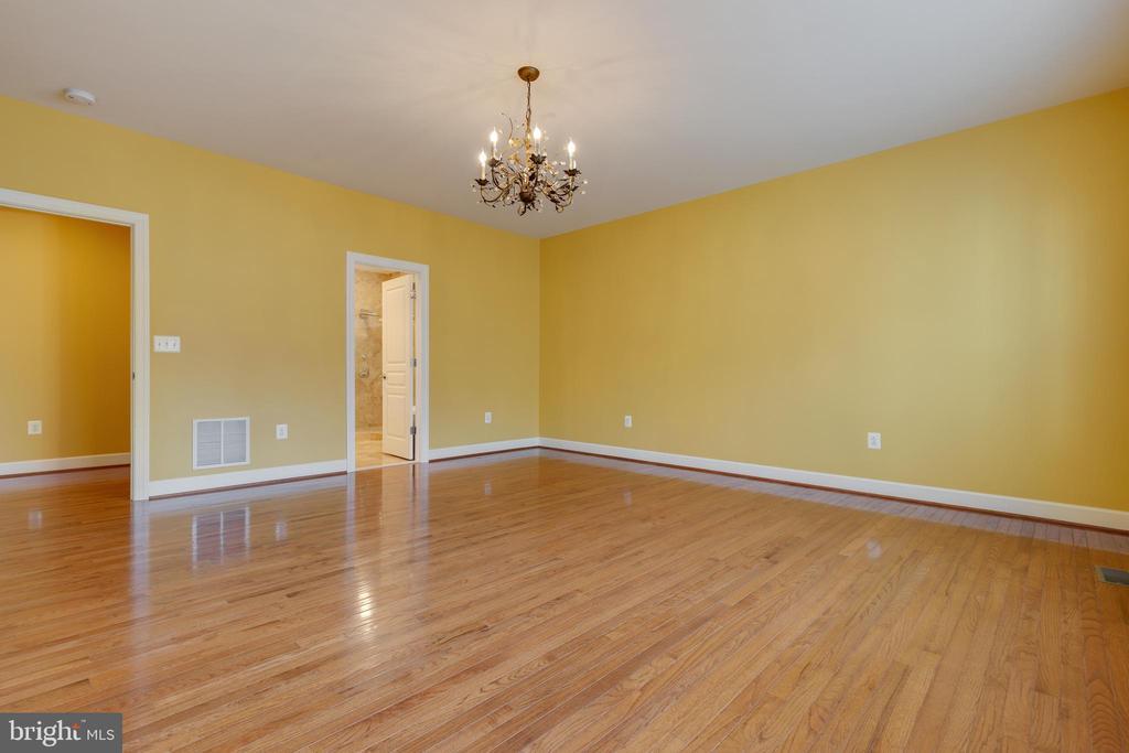 First Floor Master Bedroom - 15879 FROST LEAF LN, LEESBURG