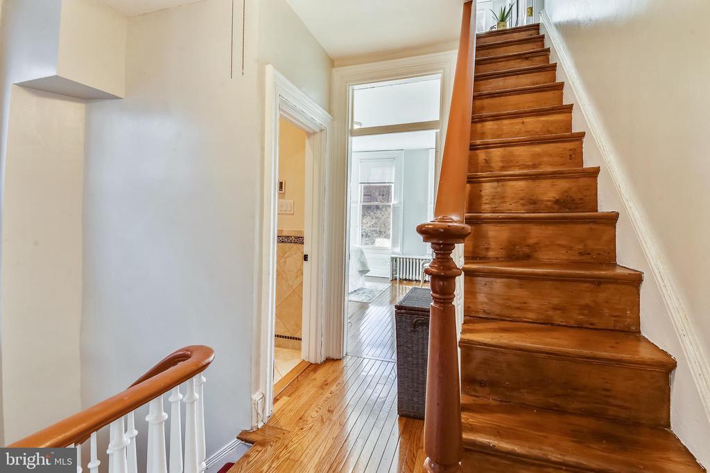 Stairs to third floor - 318 CONSTITUTION AVE NE, WASHINGTON