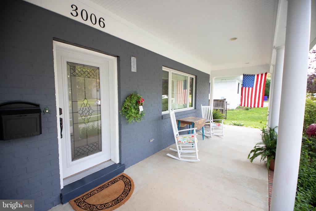Front porch - 3006 N TUCKAHOE ST, ARLINGTON