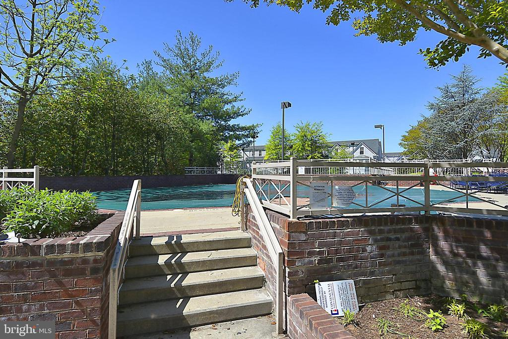 Pool - 7500 WOODMONT AVE #S205, BETHESDA
