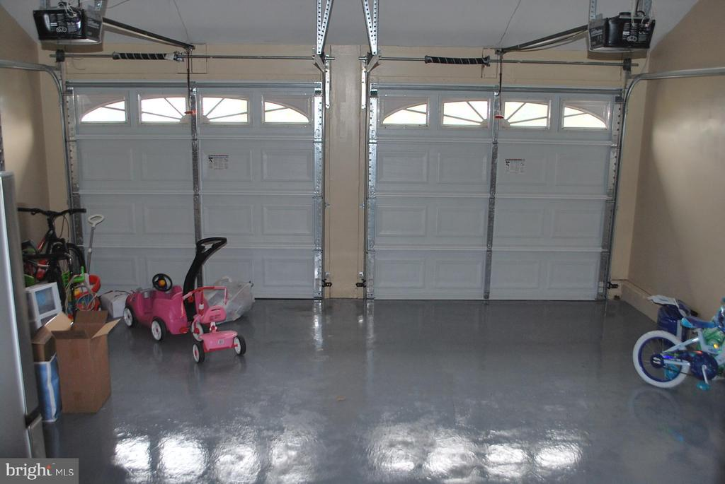 Garage with 2 openers - 108 E. STATION TER., MARTINSBURG