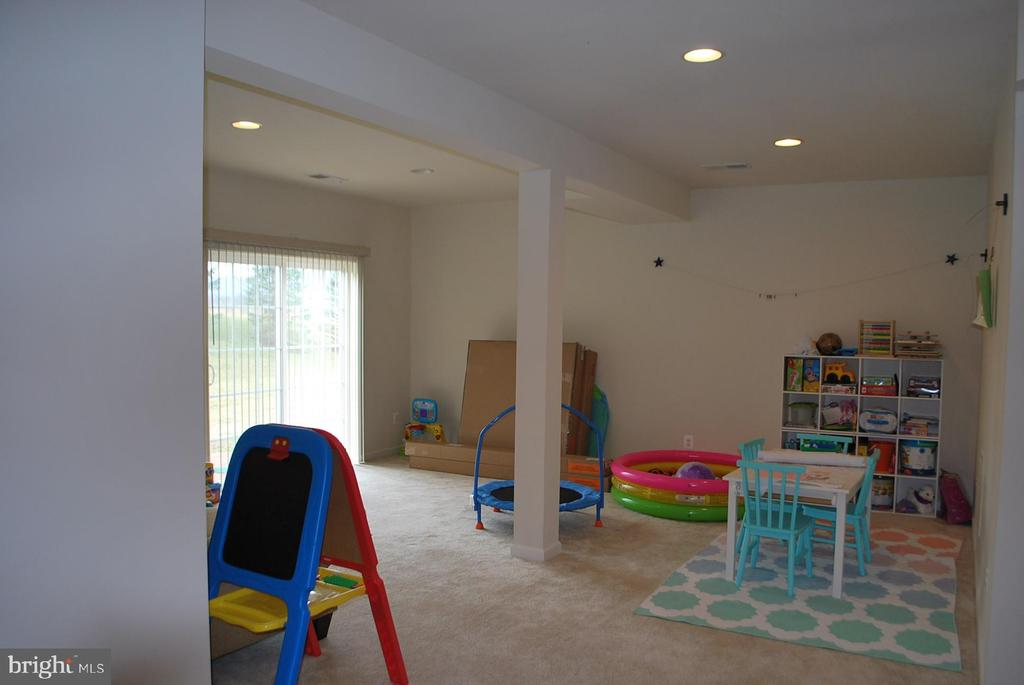 Rec. area with walk out to patio - 108 E. STATION TER., MARTINSBURG