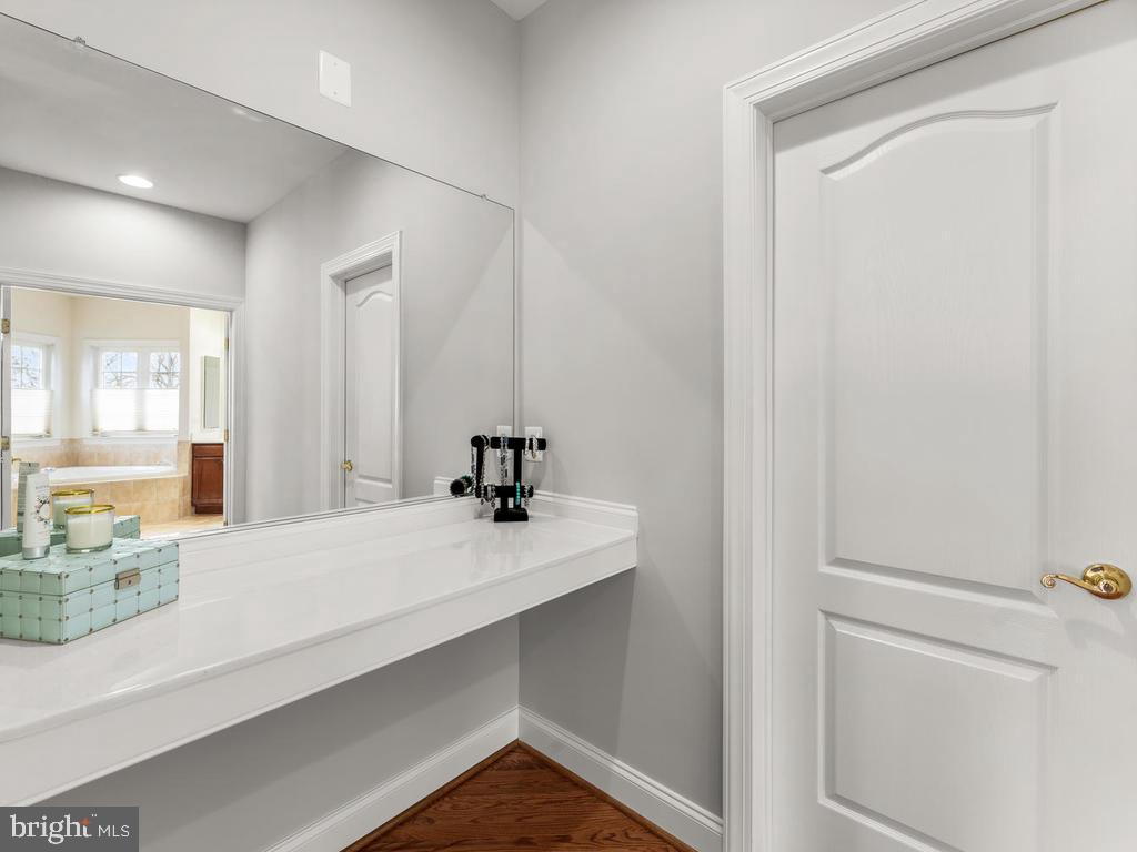 Dressing Area Between Two Large Closets - 21826 ENGLESIDE PL, BROADLANDS