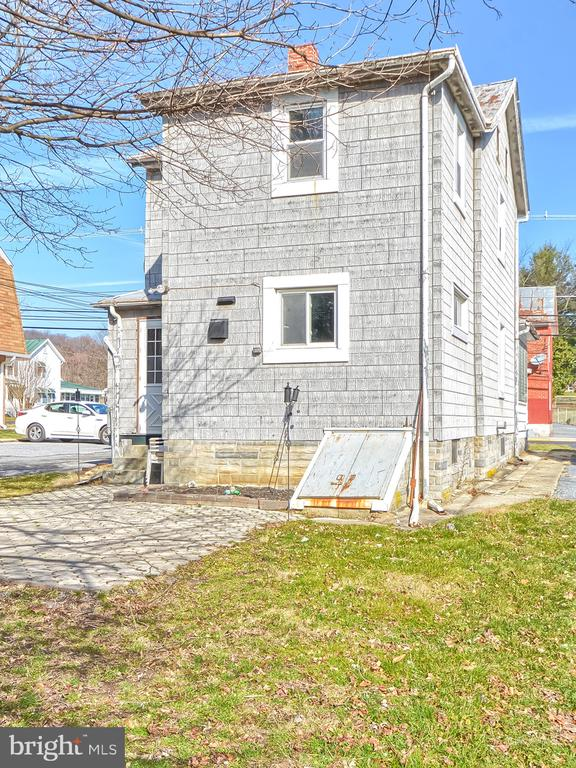 - 116 W MAIN ST, THURMONT