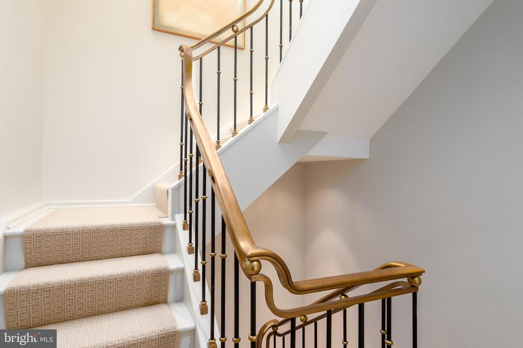 Elegant staircase - 1155 23RD ST NW #PH2C, WASHINGTON