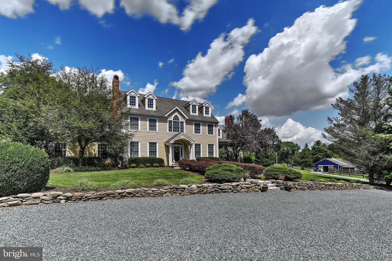 Single Family Homes для того Продажа на Stanton, Нью-Джерси 08885 Соединенные Штаты