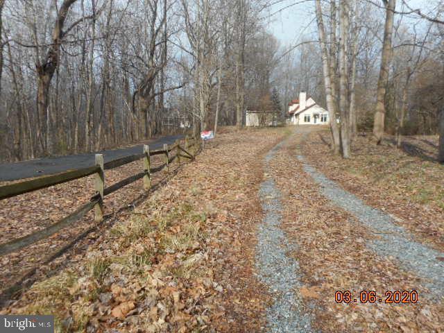 Terrain pour l Vente à Tracys Landing, Maryland 20779 États-Unis