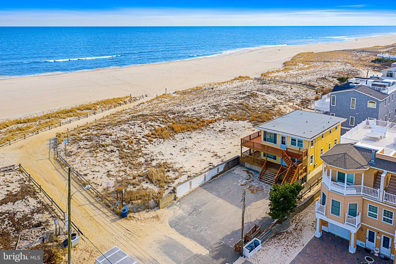 Duplex Homes por un Venta en Ship Bottom, Nueva Jersey 08008 Estados Unidos