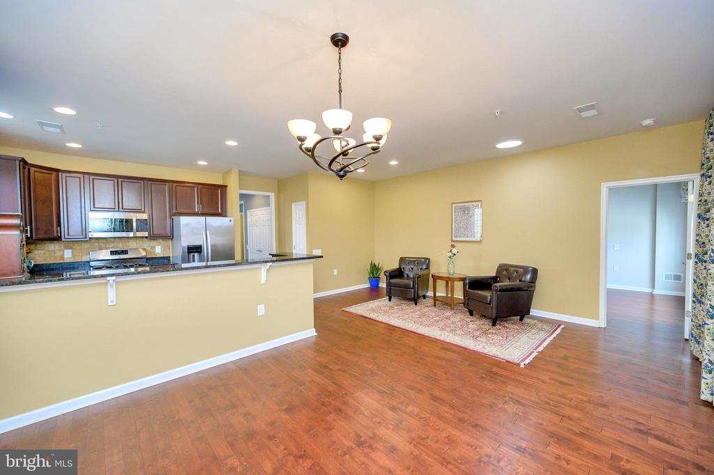 This is the perfect place to gather for brunch! - 29 LUDINGTON LN, FREDERICKSBURG