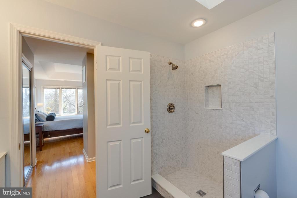 New shower before custom door & panel installed - 11205 PAVILION CLUB CT, RESTON