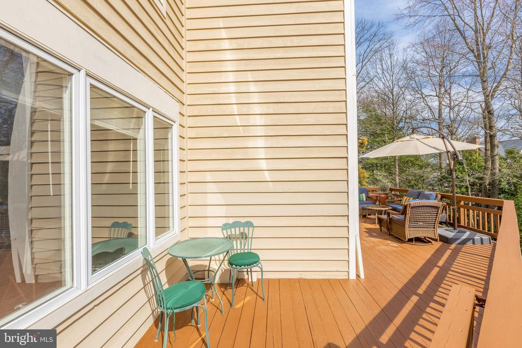 Well maintained wood siding - 11205 PAVILION CLUB CT, RESTON