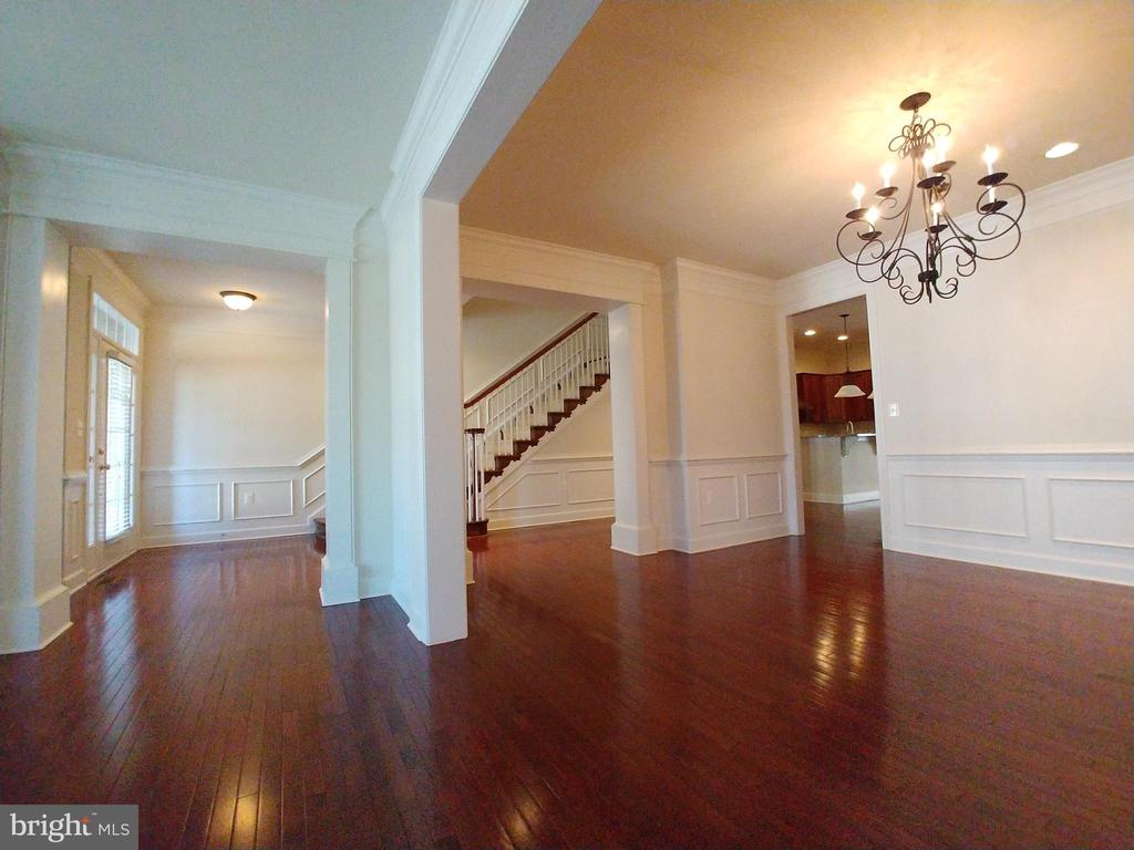 Entrance - Living Room in Main Level - 18213 CYPRESS POINT TER, LEESBURG