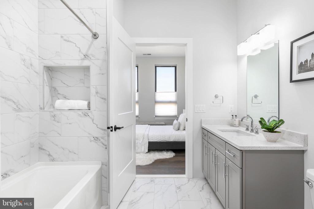 Guest Bathroom - 44691 WELLFLEET DR #304, ASHBURN
