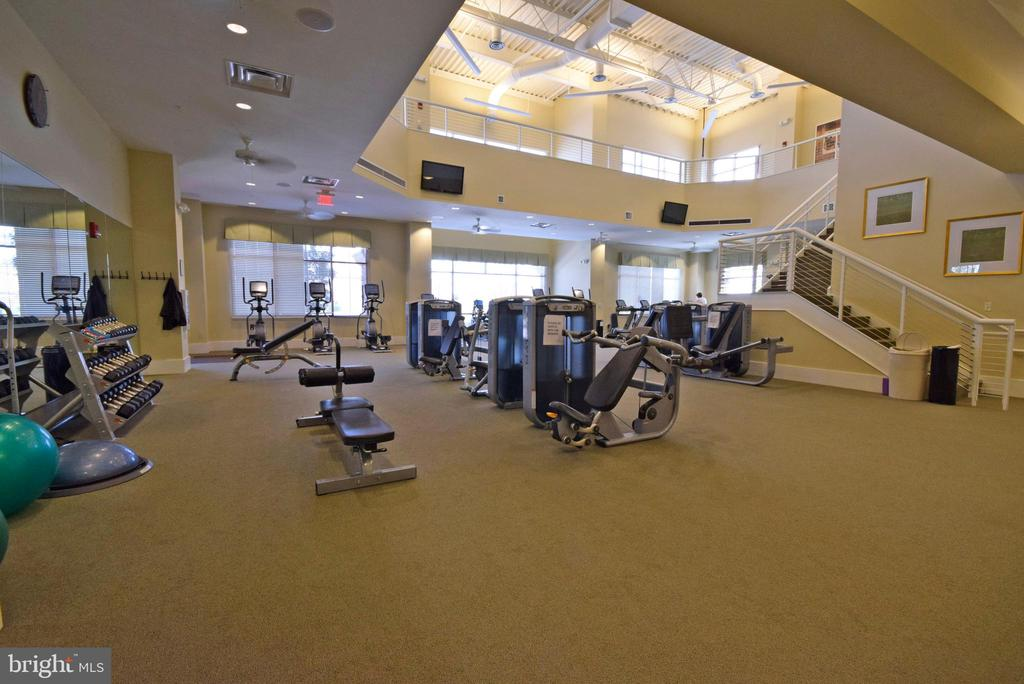 Exercise facility within community center - 219 LONG POINT DR, FREDERICKSBURG