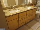 Third floor hall bathroom w/dual vanities - 10623 LEGACY LN, FAIRFAX