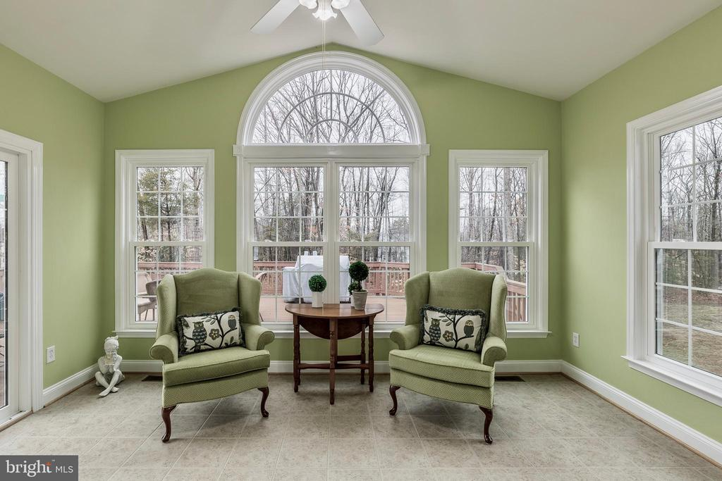 LIGHT FILLED SUNROOM - 91 MADELINE LN, STAFFORD