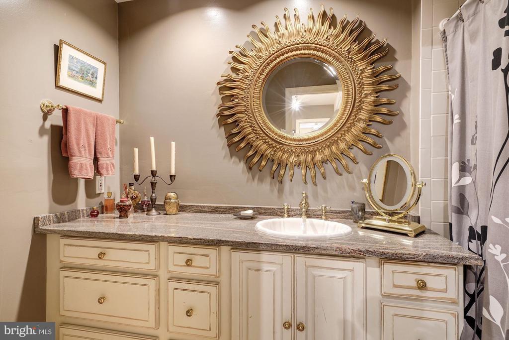 Full bath in lower level. - 1423 36TH ST NW, WASHINGTON