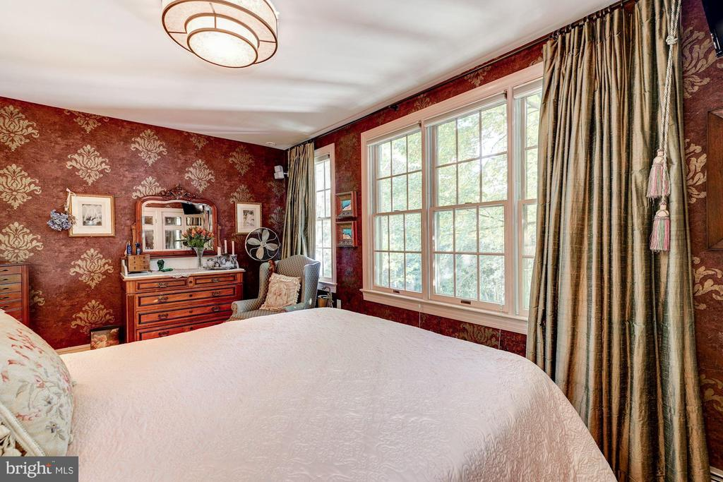 Master bedroom like living in a tree house. - 1423 36TH ST NW, WASHINGTON
