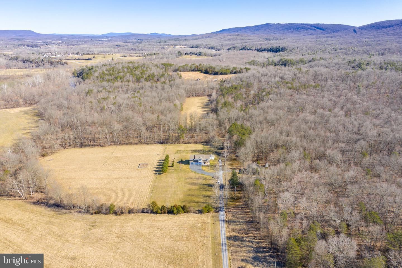 Single Family Homes pour l Vente à Gerrardstown, Virginie-Occidentale 25420 États-Unis