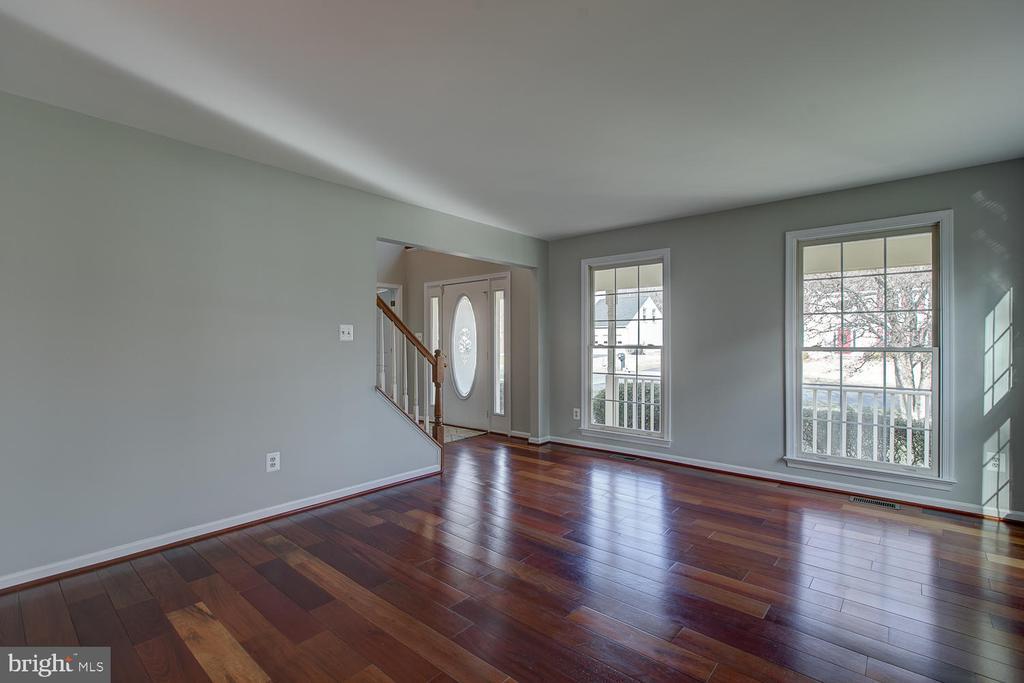 - 6 BARLOW HOUSE CT, STAFFORD