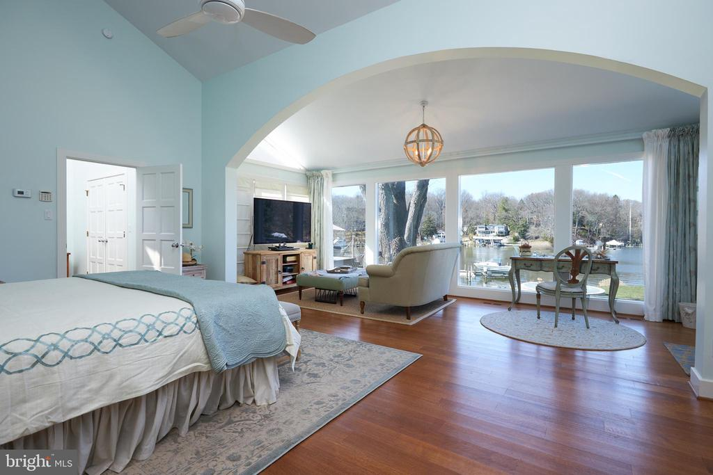 Wake up to this view! - 238 RIVERSIDE RD, EDGEWATER