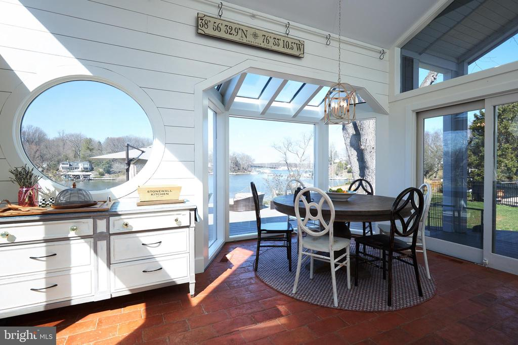Eat-In Kitchen Area Overlooking the water - 238 RIVERSIDE RD, EDGEWATER