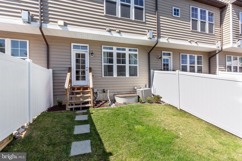 Lovely backyard - 1148 HOLDEN RD, FREDERICK