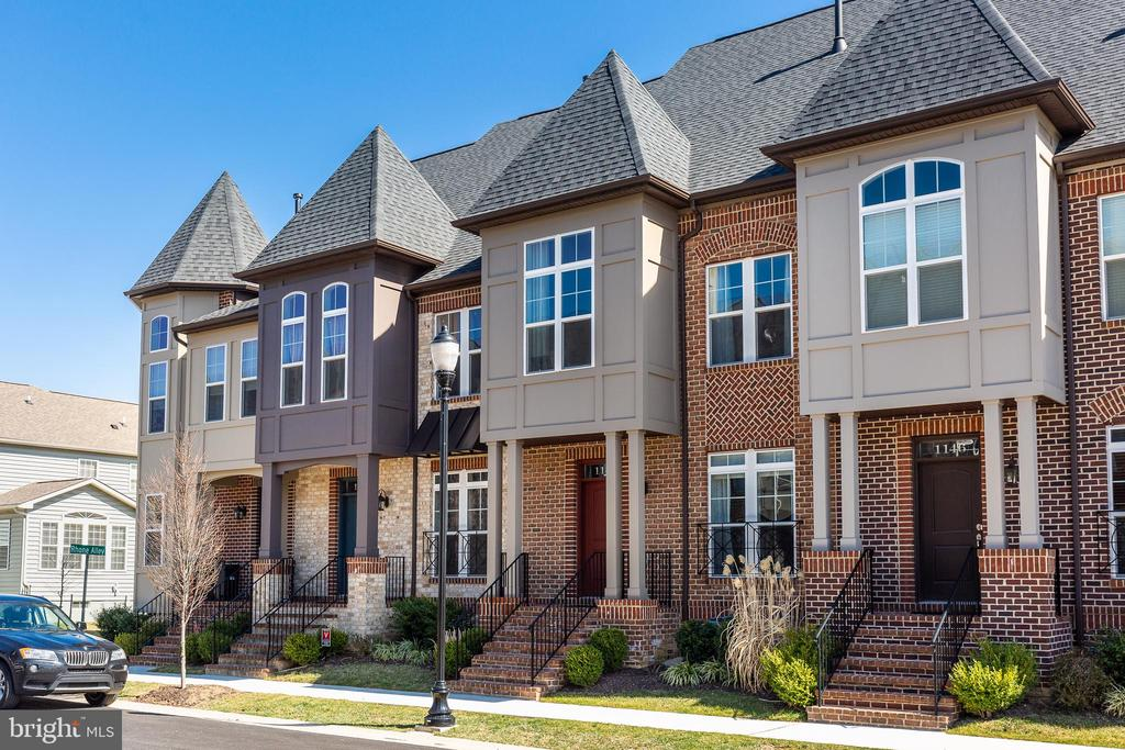 Luxury town home in EastChurch - 1148 HOLDEN RD, FREDERICK