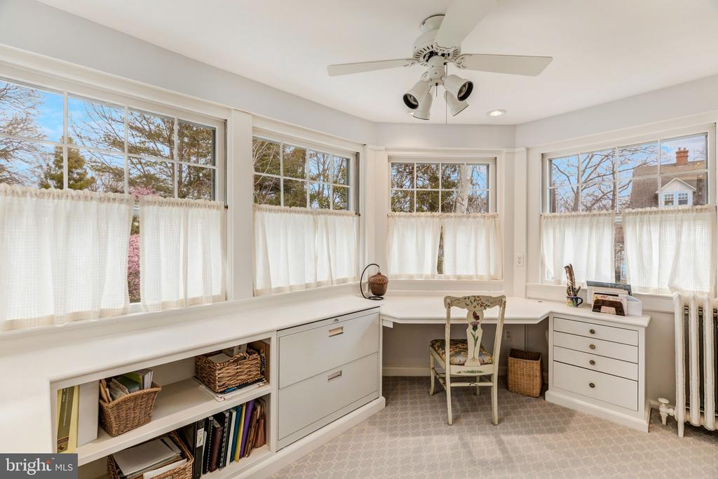 Master suite office/sitting room - 3301 HIGHLAND PL NW, WASHINGTON