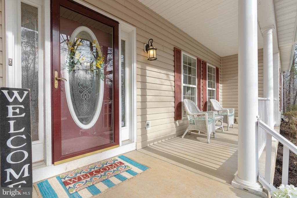 WELCOME to your new front porch! - 260 SPOTTED TAVERN RD, FREDERICKSBURG